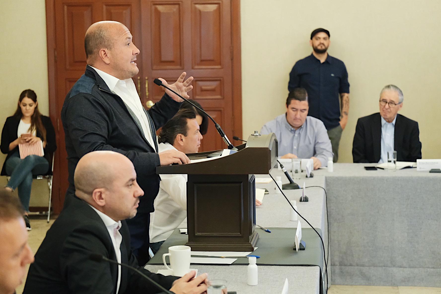 Enrique Alfaro anuncia paquete de mil mdp para apoyar a micro, y pequeñas empresas, y a personas con actividades económicas informales en Jalisco, ante contingencia sanitaria por COVID-19 Solapas principales      Ver(solapa activa)     Editar     Seguimiento     Convert     Devel